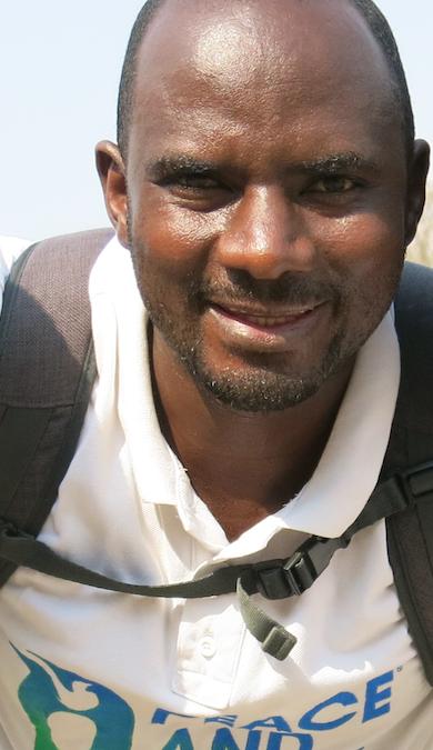 """MPEZINDAGANO Phocas: """"La présence de Venuste NIYONGABO dans les formations a été extrêmement motivante pour les enfants"""""""