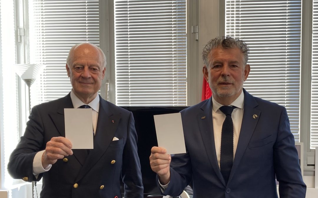 """Staffan de Mistura, former UN Under-Secretary-General and Special Envoy to war zones: """"I raise my #WhiteCard because I believe in the unifying power of peace-through-sport initiatives"""""""